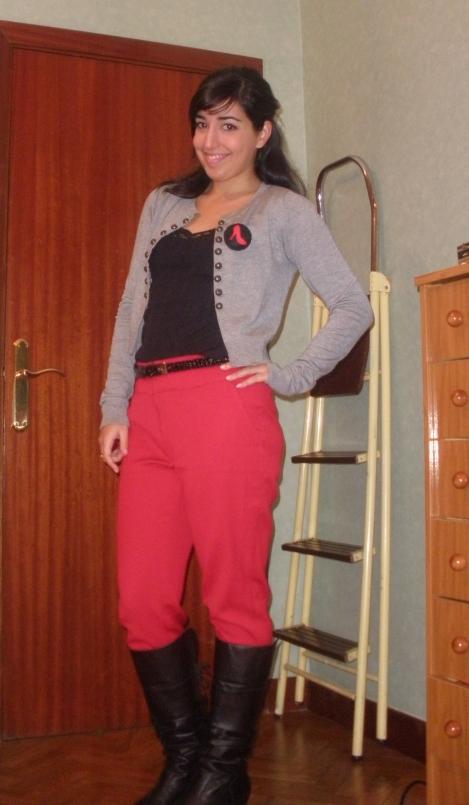 red pants pantalones rojos alfombra infrarroja